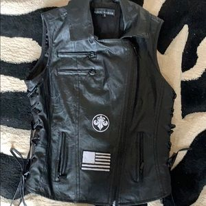 👄👄 Affliction faux leather moto vest like new!
